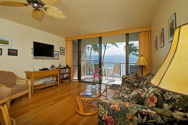 Maalaea Banyans- Oceanfront Condo (#315) photo