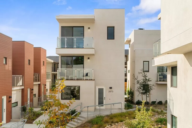 Golden Hill Townhome 2 photo