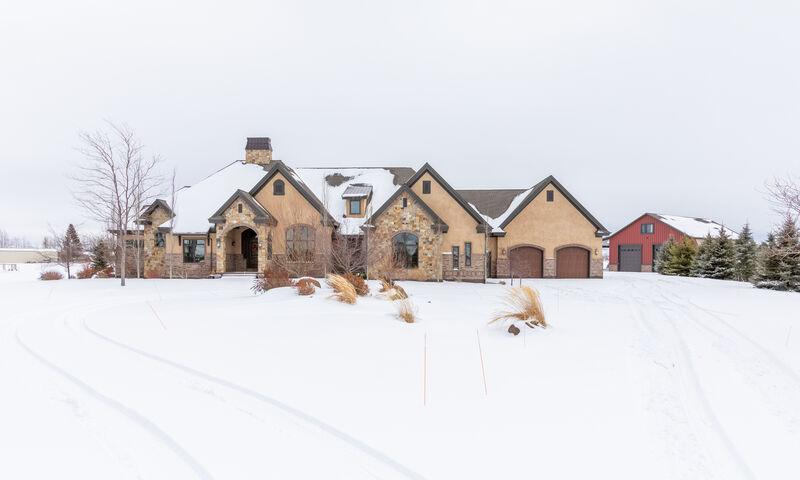 Country Manor Escape photo