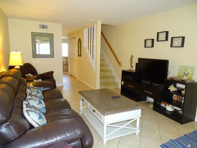 Siesta Beach House #306 Updated Unit, Minute Walk to Beach