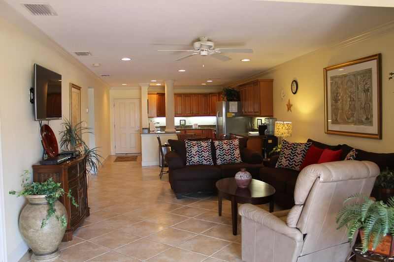 Sunset Royale - 116- Gorgeous Kitchen with granite counters and