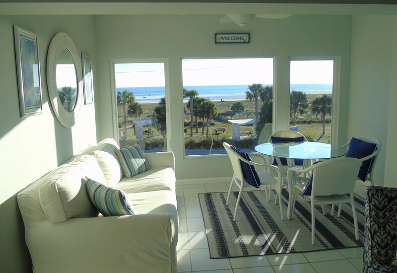Sunset Royale - 314- Sunsets Abound in this stunning 2 bedroom r