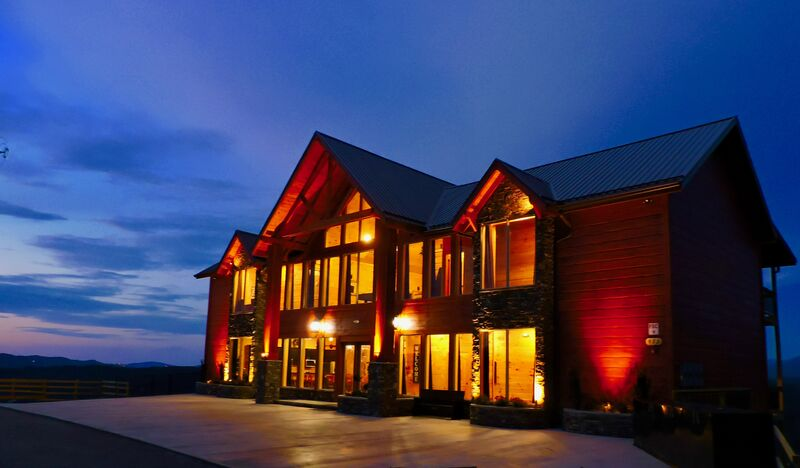 Book The Mansion In The Sky Vacation Rentals In Gatlinburg The Cabin Rental The Cabin Rental Store