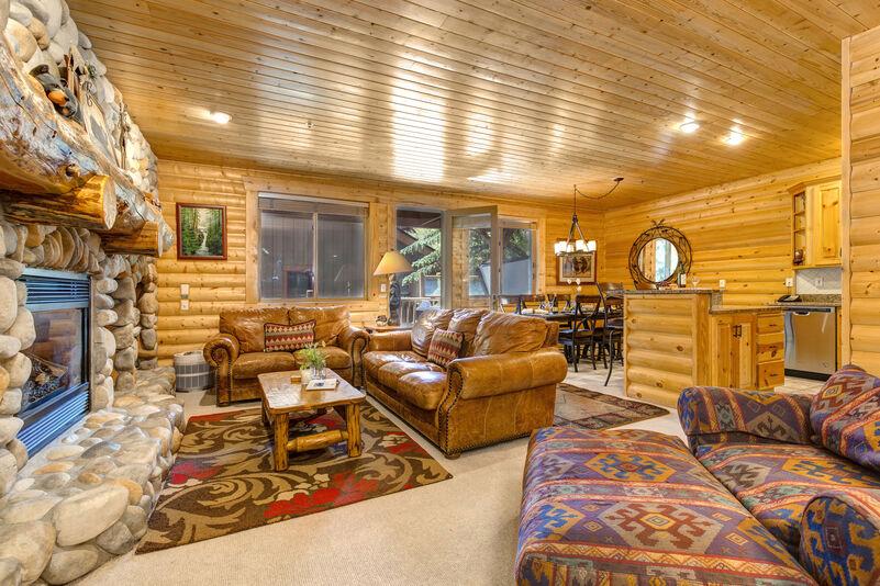 Abode at Black Bear #251