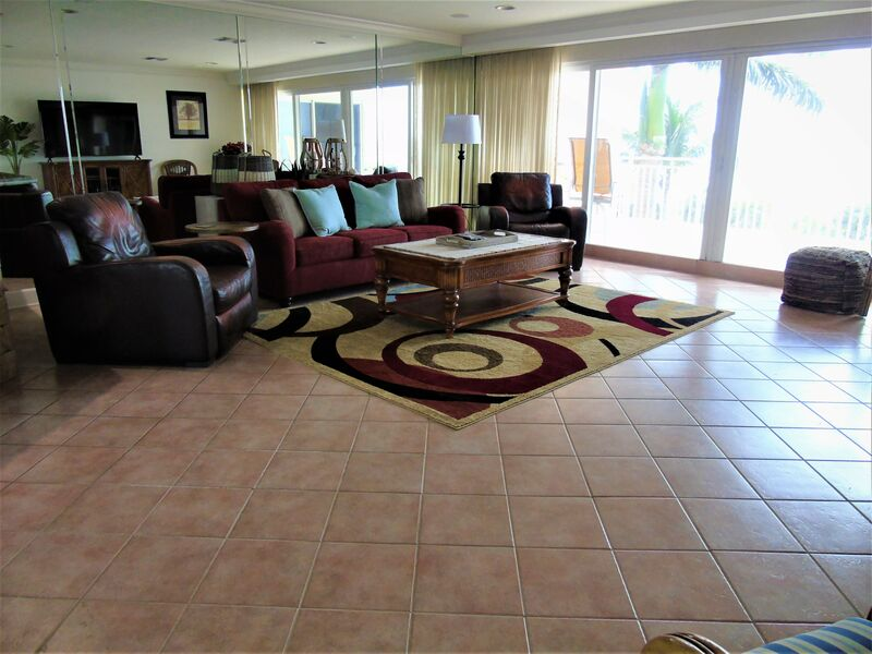 Sunset Royale - 404 - Spectacular 2 bedroom penthouse with full