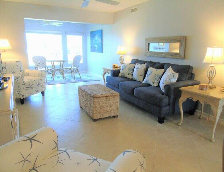 Sunset Royale - 202- Beautiful Views Directly across Siesta Key photo