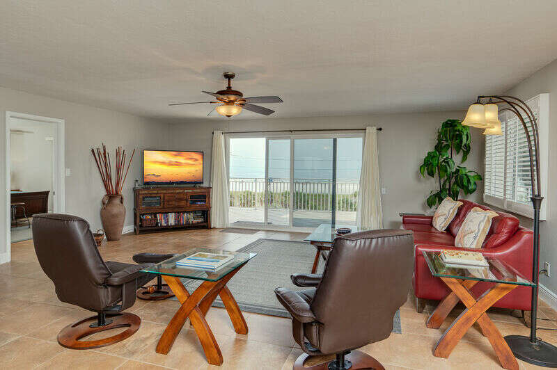 Sunset Royale - 416- Gorgeous 2 Bedroom  Penthouse with Panorami photo