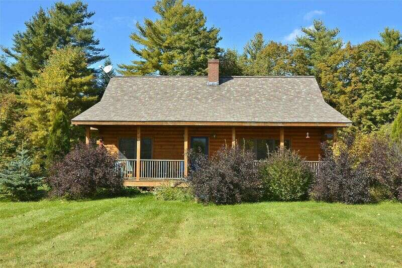 Located just 5 minutes from the heart of Stowe Village, Aspen's Run offers guests a beautiful open floor plan, three queen-sized bedrooms, two full bathrooms, laundry, a wood stove and direct views of the Worcester Mountains. Abutting 36 acres of preserved land, this warm and cozy log cabin is the perfect retreat for your group or family! Just a short drive to the mountain and all of Stowe's finest amenities.