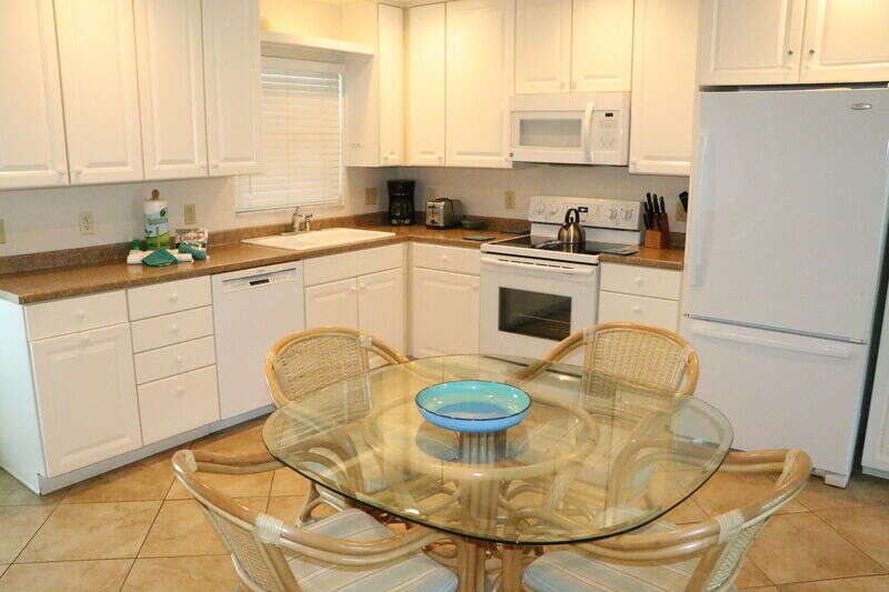 Jamaica Royale 086 Updated & close to the beach! photo