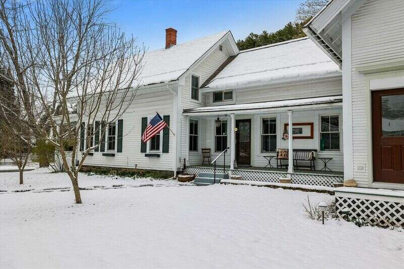Hobble Inn, formerly a popular B&B, is located in a quiet residential neighborhood in the heart of the historic village. Conveniently located one block from Main Street in the historic district of Stowe, this comfortable, four bedroom home was remodeled in 2013 and 2014. Upgraded WIFI! Comfortably sleeps seven people. Two 3/4 baths, one with a 5' walk-in shower. Gourmet kitchen has a breakfast bar, and is adjacent to the formal dining room. One bedroom is on the main floor, three are on the second floor. A stair glide lift is available for anyone with mobility issues, or for moving heavy luggage. There are 8 restaurants within easy walking distance, as well as shopping, ski museum, library and art center, and an award winning recreation path.