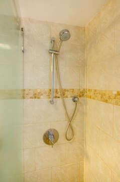 Detachable shower handle