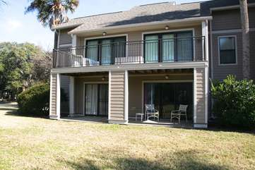 This 1st floor villa is perfect for a small family or couples traveling to Seabrook!