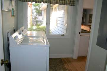 There is a washer/dryer in the laundry room off the kitchen.