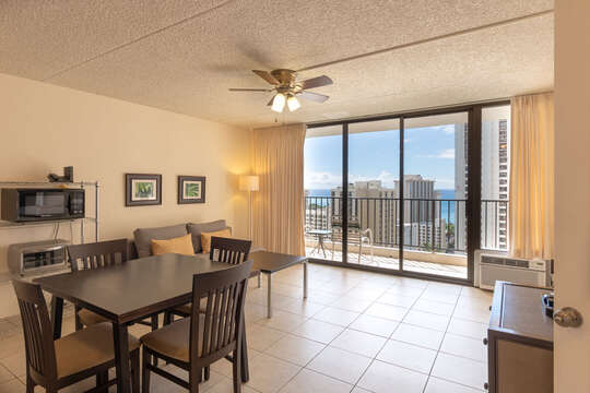Great room for dining and relaxing with sliding door into the lanai