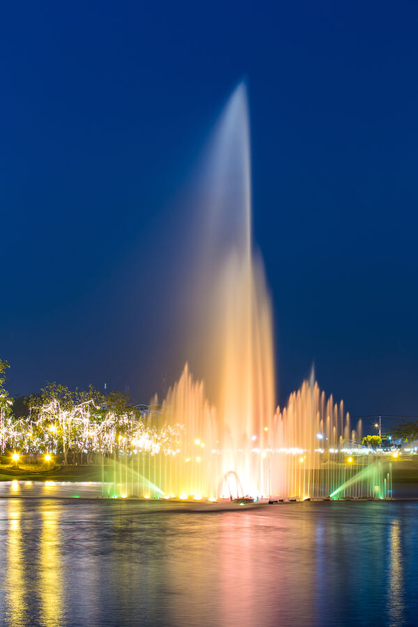 Fountain hills fountain at night