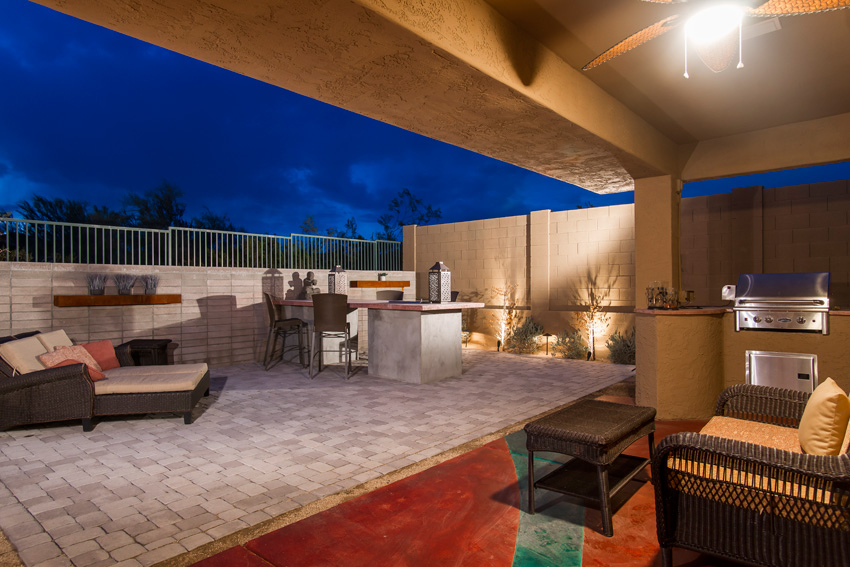 Covered Patio and grill