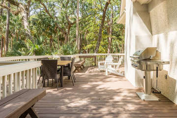 Outdoor deck offers seating, table for 6 and a gas grill for your use!