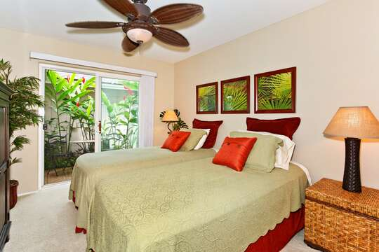Second Bedroom with Twin Beds and a Private Lanai