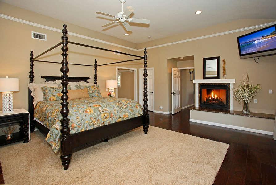 Romantic Master Suite w/fireplace