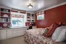 Guest Bedroom with en-suite bath