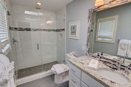 Queen bedroom upstairs private bathroom