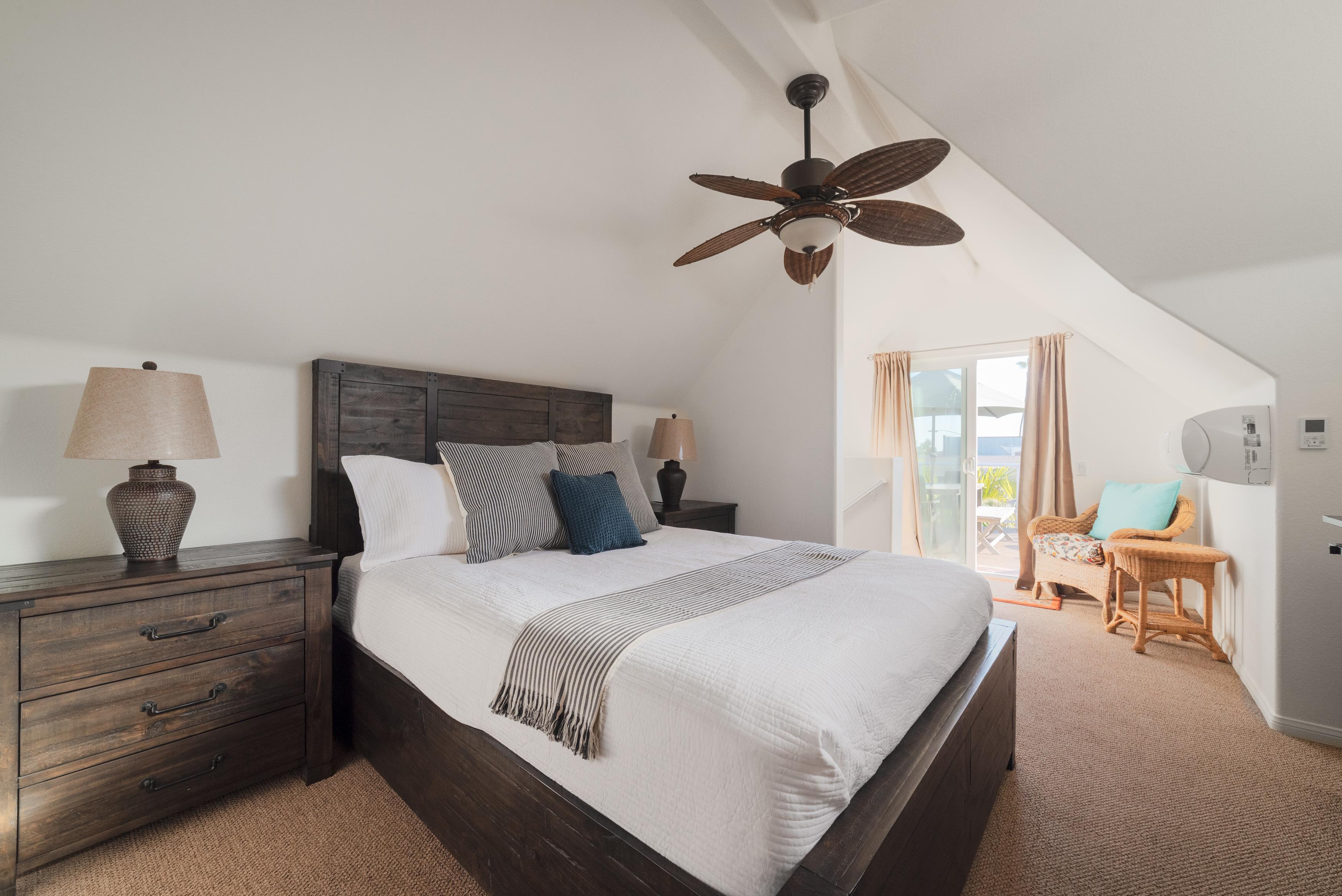 Master Bedroom, Queen - Third Floor