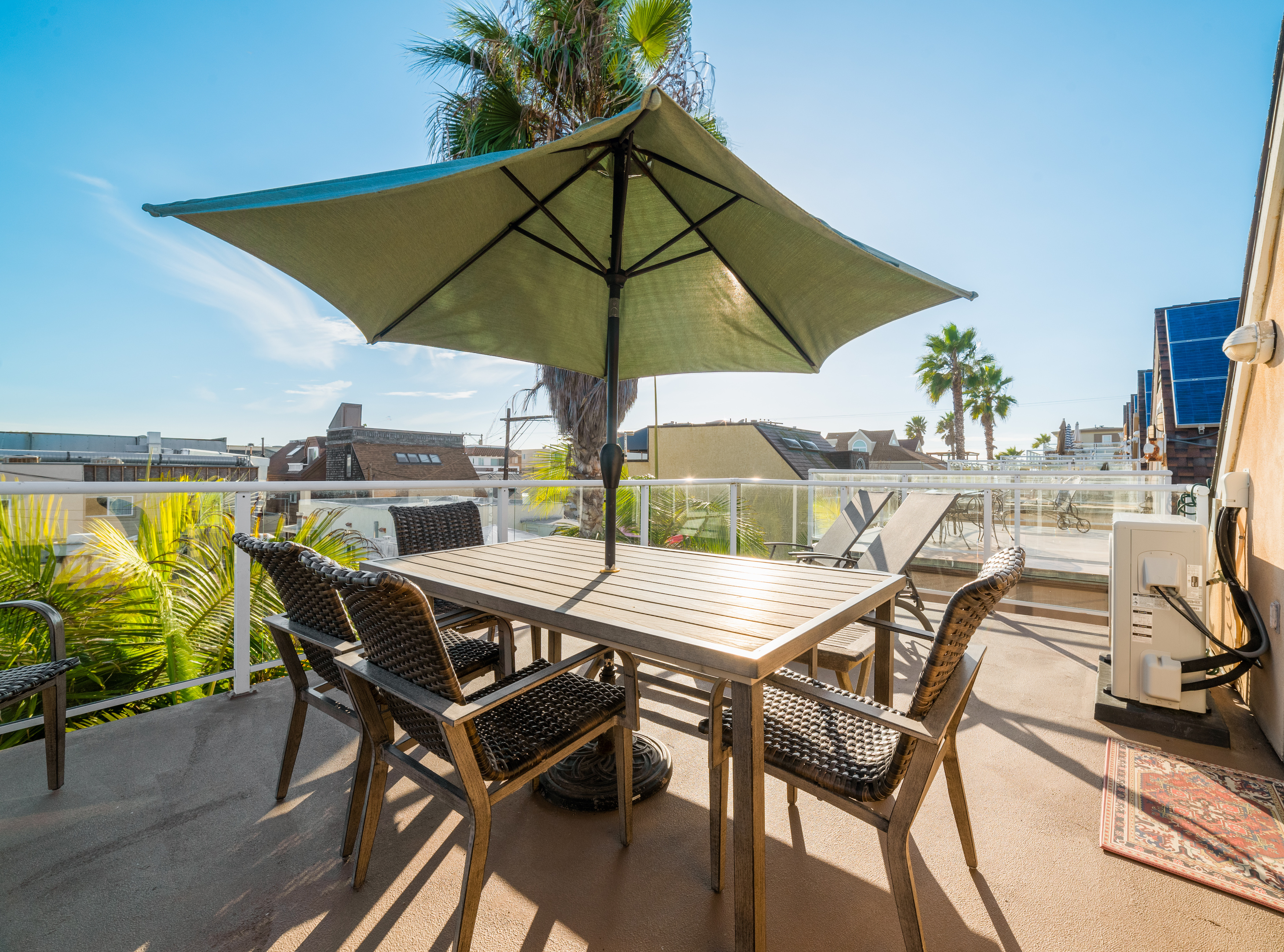Third Floor Deck with Outdoor Dining & Loungers