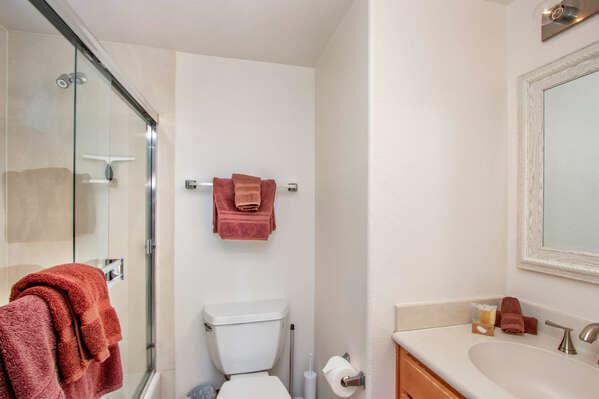 Guest Bedroom En-Suite Bath, First Floor