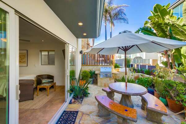 Outdoor Dining and BBQ Grill