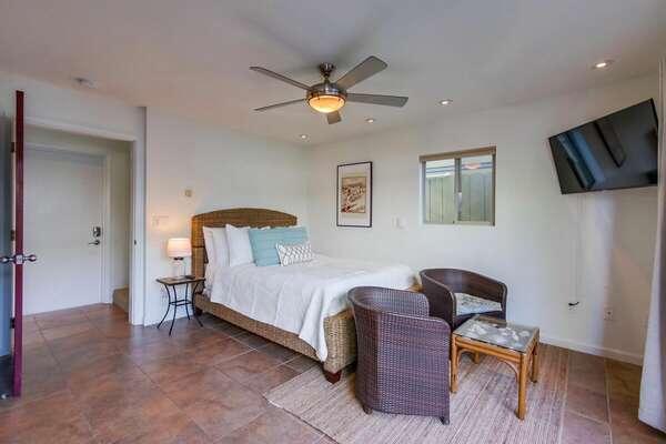 Ground Floor Bedroom Suite, Queen Bed
