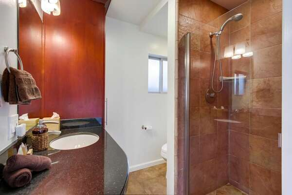 Ground Floor Bedroom, En-Suite Bath