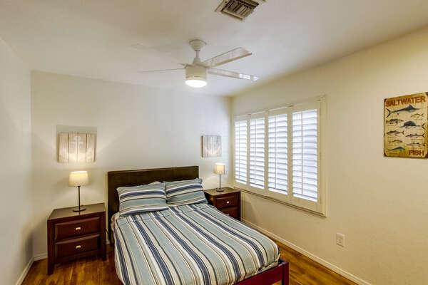 Guest Bedroom, Queen Bed - Second Floor