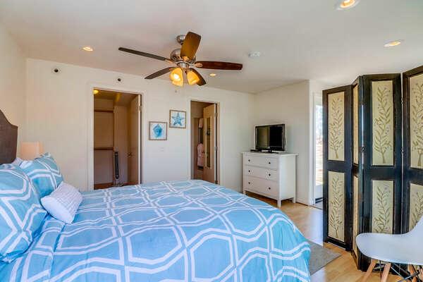 Master bedroom, Queen, Third Floor