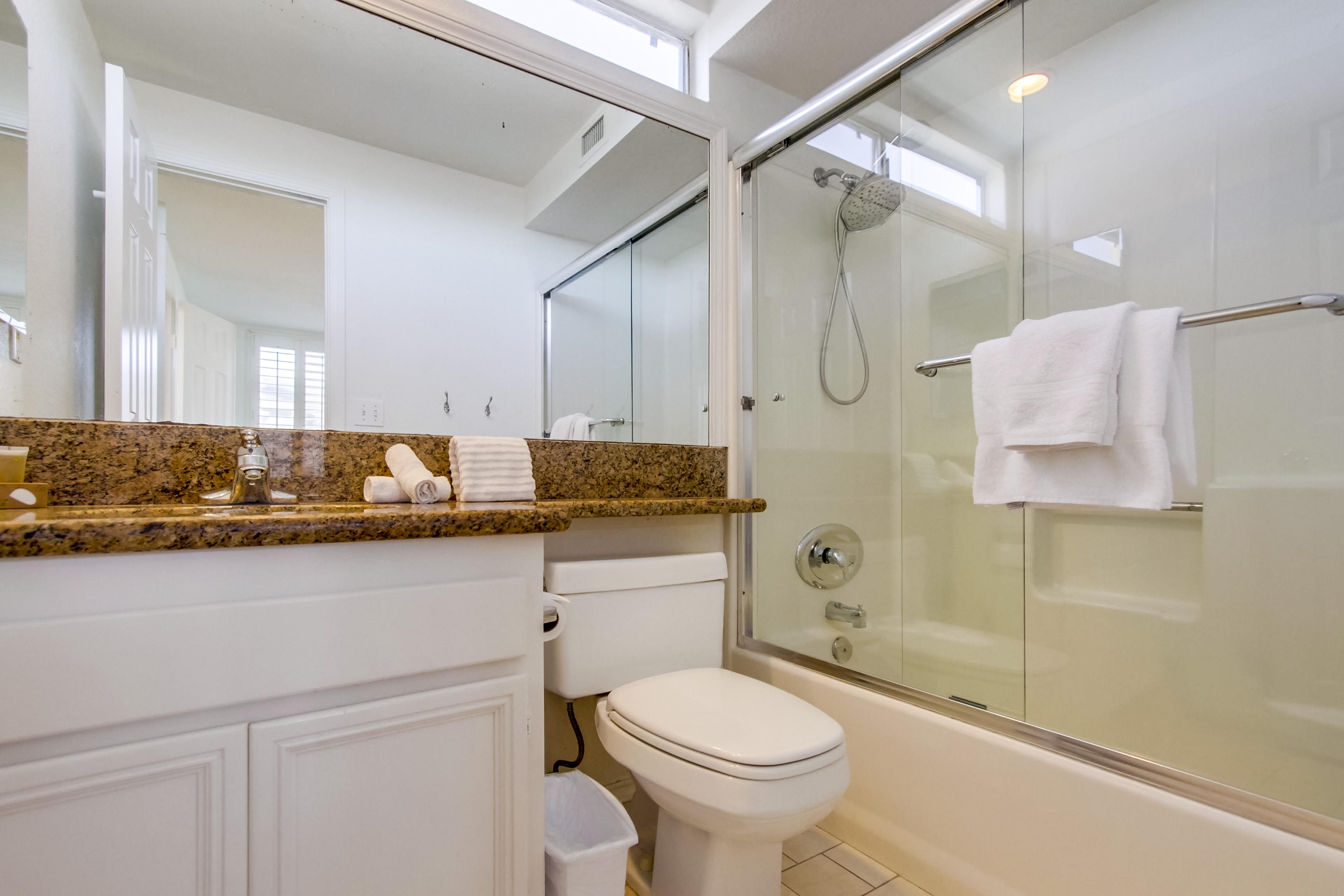 Guest Bedroom En-Suite Bath, Third Floor