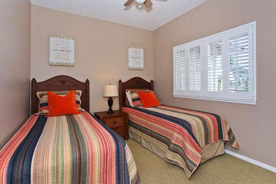 Third Bedroom / Den with Twin Beds