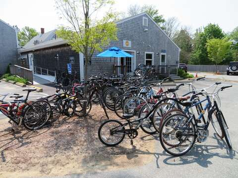 Rent bikes right next door at Hood Bikes and bike your way around all day! Chatham Cape Cod New England Vacation Rentals