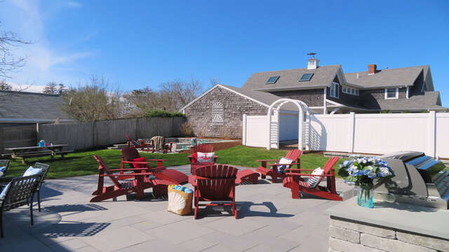 A wonderful outdoor space to kick back and relax!  388 Main St-Chatham Cape Cod New England Vacation Rentals