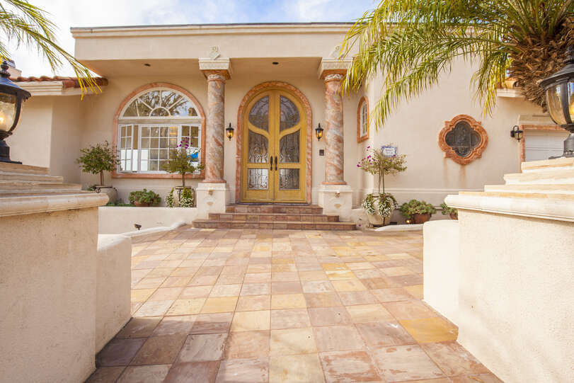 Stunning entrance welcomes you to the villa