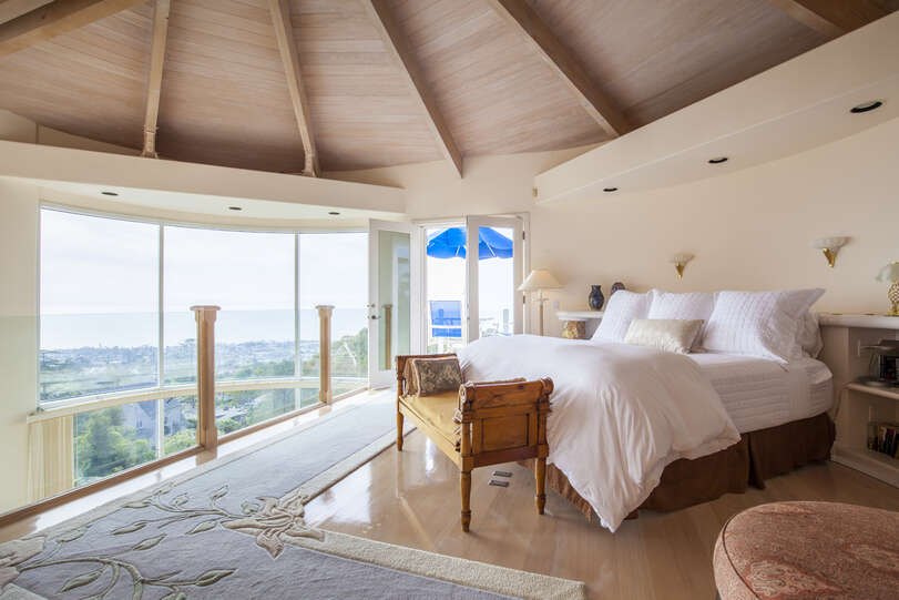 Master bedroom with amazing views and open loft concept