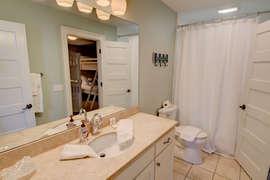 First floor King bedroom/Bunk bedroom shared bathroom