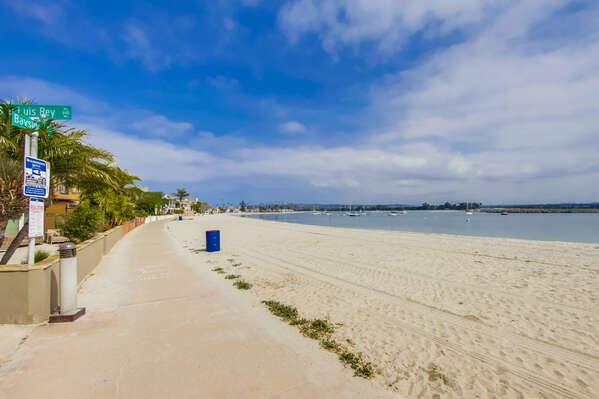 San Luis Rey Pl and Mission Bay boardwalk