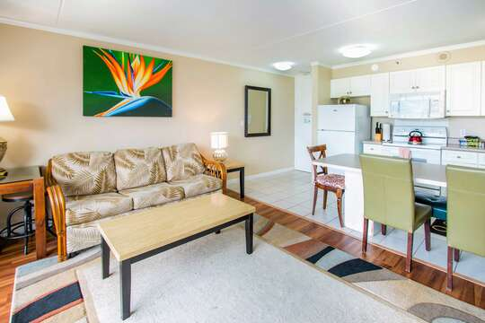 The unit has been designed with a Hawaiiana theme so that it you can enjoy that island feeling of Aloha.