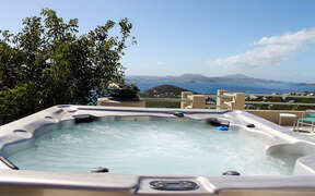 Hot tub/Jacuzzi on deck with view