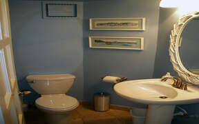 Well appointed bathroom with ocean decor