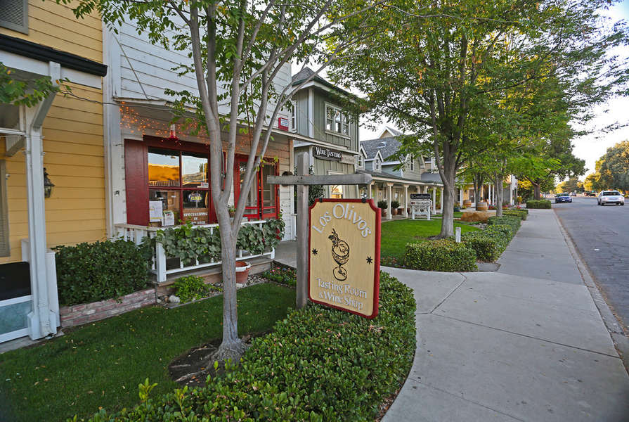 Steps away from dining, shopping, and wine tasting
