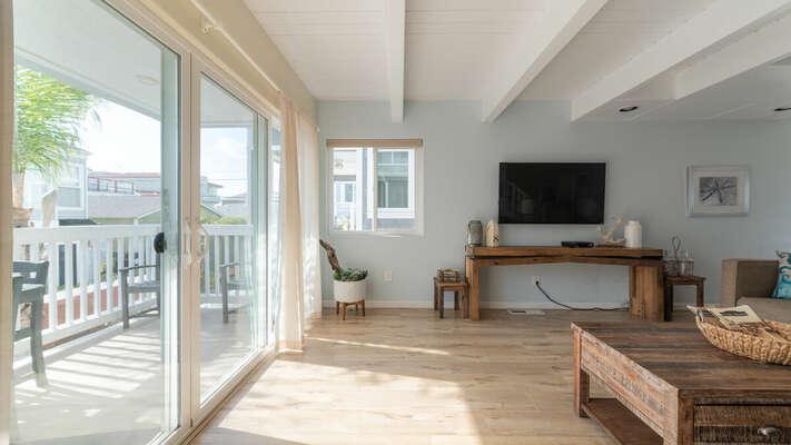 Living Room with outdoor patio - Second Floor