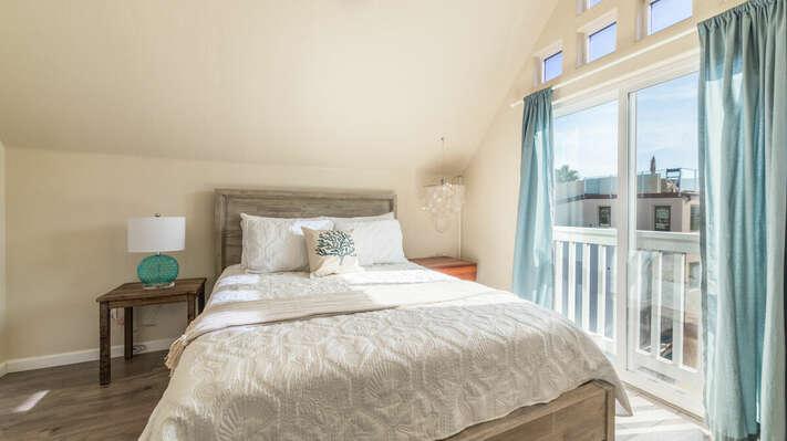 Guest Bedroom with Queen Bed - 3rd Floor