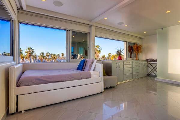 Top floor bedroom with Twin+Twin trundle + Queen bed