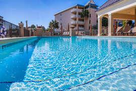 Alerio pool view