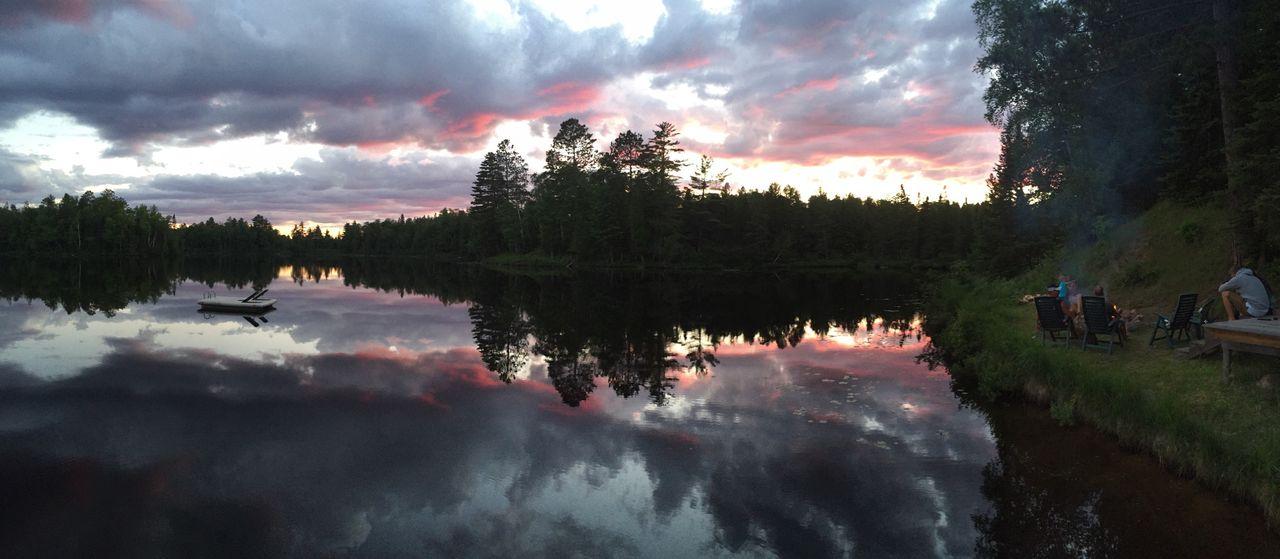Beautiful sunsets on the lake.